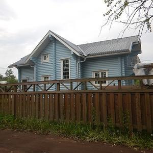 Красивый домик в поселке