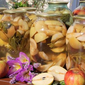 Грушево-яблочный компот с мятой