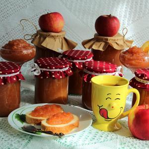 Можно с чаем иль в пирог или просто с хлебом)))