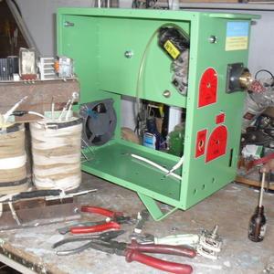 Сварочный аппарат (в процессе сборки)