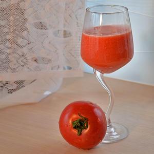 Томатный сок из малинового чуда