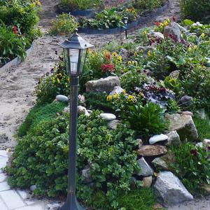 Идея: освещение дачи в вечернее время электрическим фонариком ...