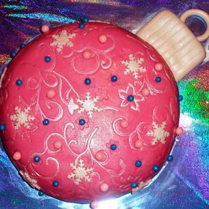 Сладкий ёлочный шарик (торт для соседки)