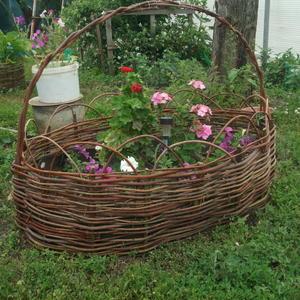 Корзинка для цветов... пока растем...