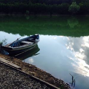 На лодочке.., да на рыбалочку