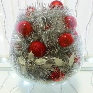 зимой ваза превращается.... в креативную елку