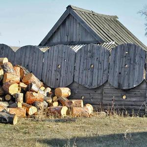 Забор из катушек, Сибирь