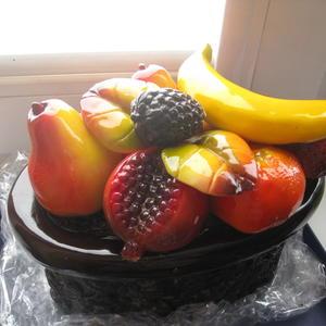 Шоколадная корзинка с фруктами