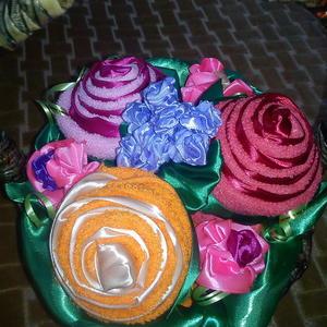Корзина цветов из полотенец