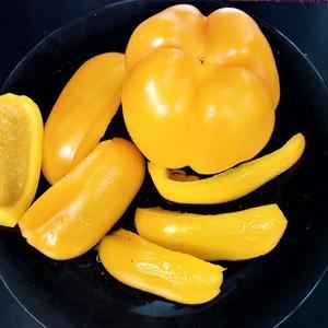 Перчики домашние - вкусные, хрустящие, много-много витаминов и отличный урожай!