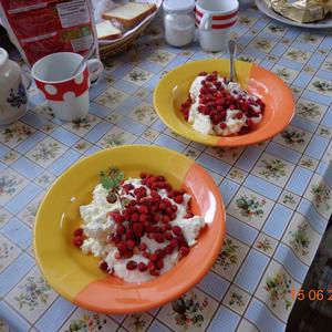 На завтрак - ароматная земляника