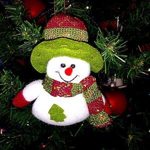 Снеговичок на ёлке