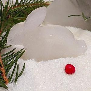"""Зайчик - моя первая ледяная """"скульптура"""""""