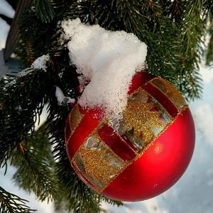 В этом шарике желанье - здоровья, счастья, процветанья!