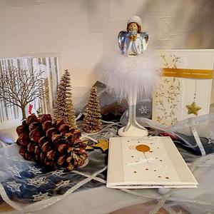 Рождественские открытки приятнее эсэмэсок