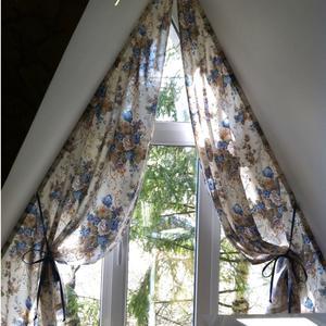 Оформление окна нестандартной формы в комнате