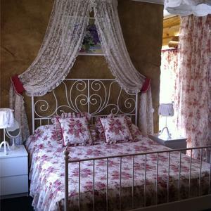 Кружевной балдахин сделает вашу спальню уютной