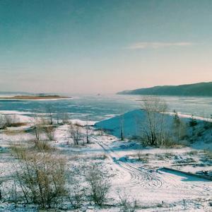 Волга затягивается льдом