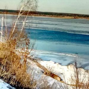Течет река Волга, а мне уж много лет...