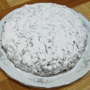 Сверху сахарный снежок - будет сладким пирожок!