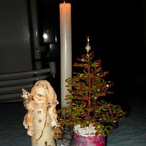 Моя бисерная ёлочка в новогодней композиции