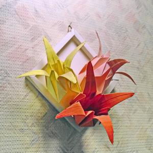 Объёмное панно из бумажных цветов