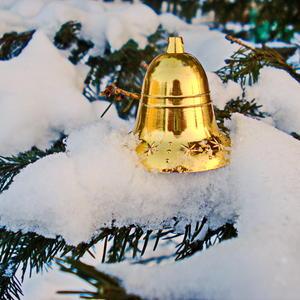 Золотой новогодний колокольчик