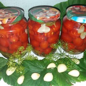 Первые сладко-пряные - маринованные помидорки