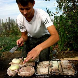Дачный бутерброд - шмат мяса с луком!