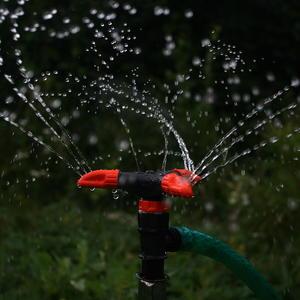 Вертушка из ОБИ распыляет воду на 5...