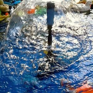 Декоративный бассейн и фонтанчик