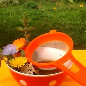 Зелёный дачный чай с оранжевым настроением...