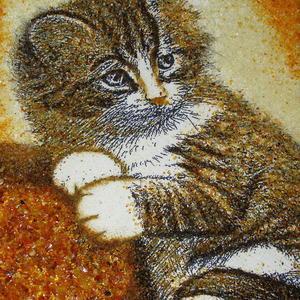 Котенок из янтаря