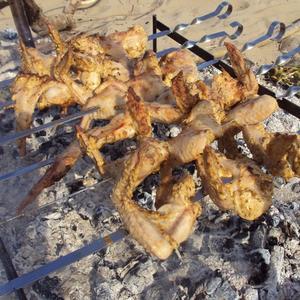 Куриные крылышки в процессе