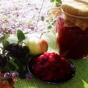 Яблочный джем с черноплодкой и мятой витаминами богатый