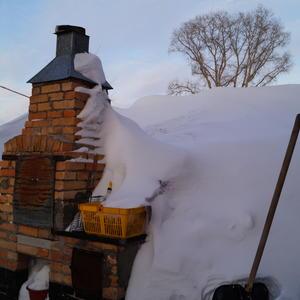 Иванушка! Давай, снег откопай, дров натаскай, печечку затопи, блинов напеки - масленица ведь у нас!