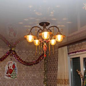 Комнату украсили, встали в хоровод. Весело-весело плясали в Новый год