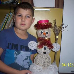 Вот такой вот снеговик из.... ниток!