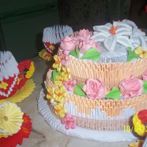 Угощайтесь тортиком!
