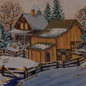 Зима, и крыши в снегу...