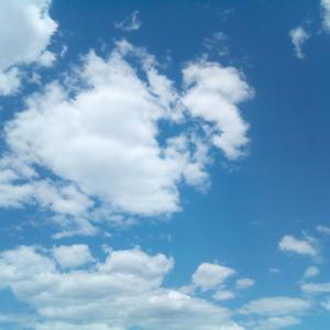 Так и хочется потрогать облака