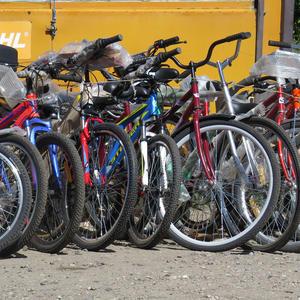 Группа новеньких и шустрых велосипедов приглашает хозяев для совместных поездок на дачу