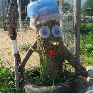 Мой Кузя-огородничек