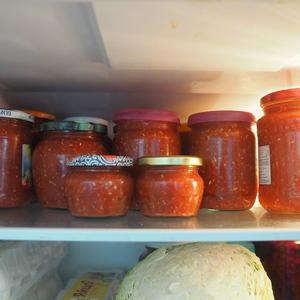 В холодильнике храню. Очень вкусная. Люблю!