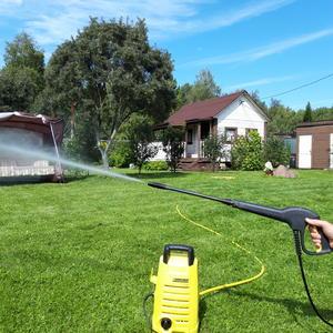 Дом помыть, помыть машину и газончик освежить, вам во всем поможет Керхер - очень облегчает жизнь!