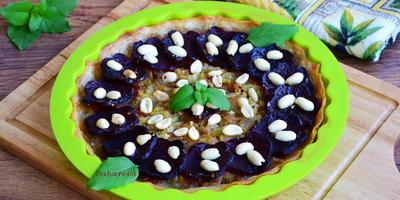 Пирог со свеклой и сельдереем