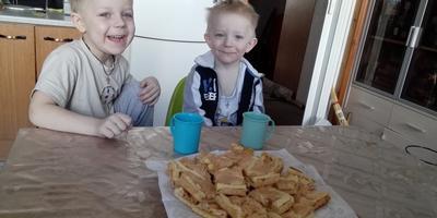 Рассыпчатые песочные пирожные с апельсиновым джемом