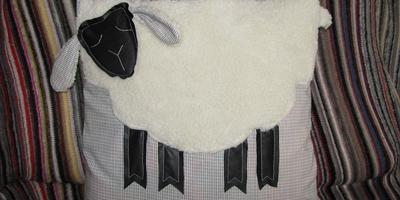 Подушка-овечка своими руками