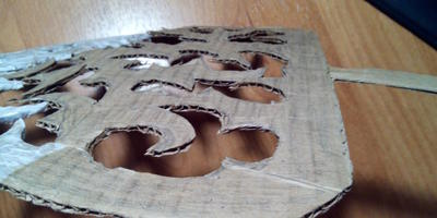 Новогодний мастер-класс: серебристая елочка из картона