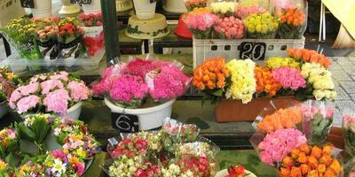 Оригинальные букеты на цветочном рынке  Кракова